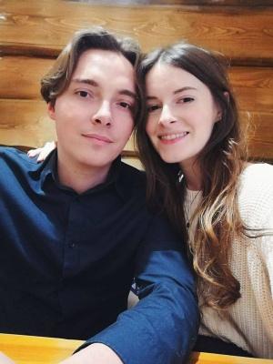 У відомого українського письменника та його дружини-чернівчанки народилася донька