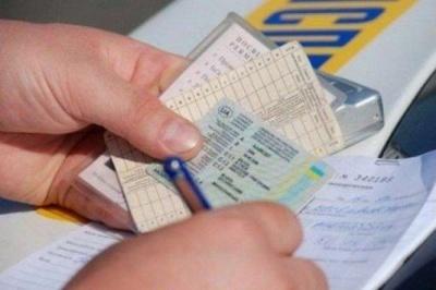 В Україні водійські права видаватимуть по-новому: що змінилося