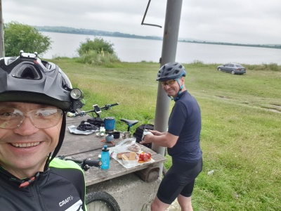 «Щодня їхали на велосипеді по сто кілометрів»: лікарі з Чернівців подорожували Україною