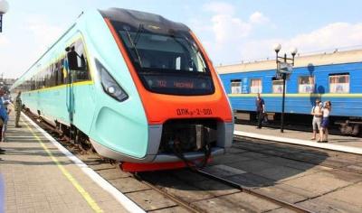 Сьогодні до Чернівців відновлюють залізничне сполучення: куди можна поїхати