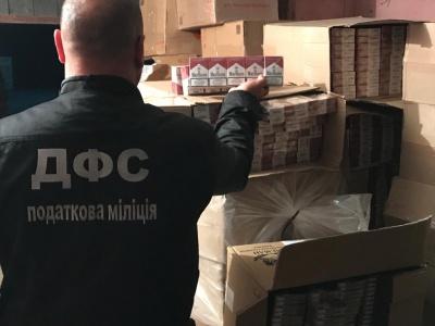 На Буковині податківці виявили «криївку» з цигарками на 2 млн грн