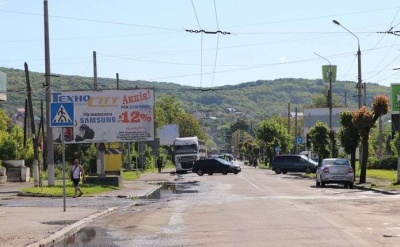 У Чернівцях оголосили тендер на капремонт вулиці Хотинської: але грошей на це ще нема