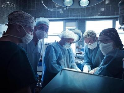 У Львові жінці видалили гігантську пухлину вагою понад вісім кілограмів