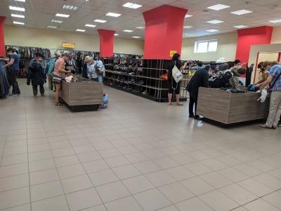«Новий одяг за копійки»: що можна купити в секонд-хенді у Чернівцях