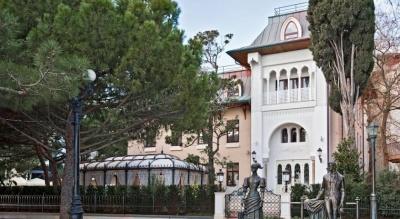 Готель Софії Ротару в Криму розорився