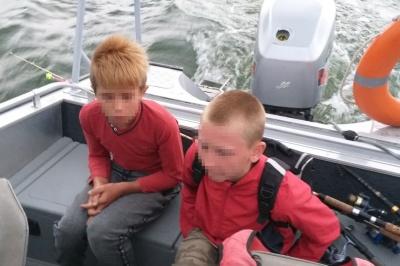 Рибалили і прокололи човен: на Дністрі врятували двох дітей