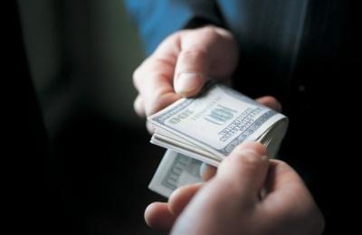 У Чернівцях чиновника затримали на хабарі: вимагав 10% відкату