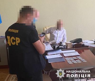 Стало відомо, кого з чиновників Чернівецької ОДА затримали поліцейські