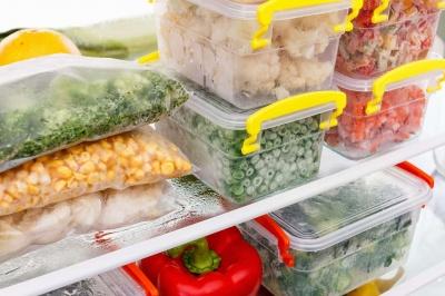 Заморожуємо і квасимо: дієтолог порадила найкращі способи заготувати овочі та ягоди на зиму