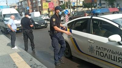 Не пропустив швидку - штраф: у Чернівцях поліція перевірила водіїв