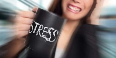 Постійний стрес і втому: про що сигналізує тіло