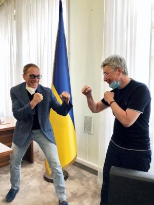 Netflix знімає свій перший фільм в Україні. У комедійному бойовику зіграє Жан-Клод Ван Дамм