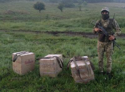 На Буковині прикордонники пострілами зупиняли контрабандистів