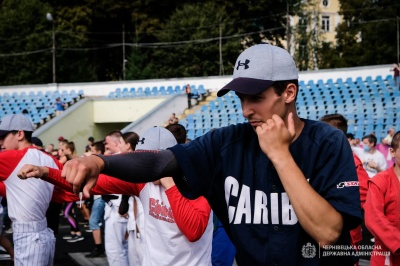 """На стадіоні """"Буковина"""" стартував спортивний фестиваль - фото"""