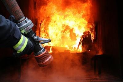 На Буковині горів будинок – власник загинув у вогні