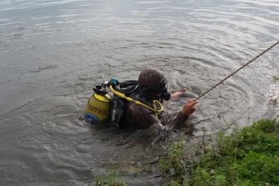 Пішов рибалити і потонув: на Буковині зі ставка витягнули тіло чоловіка