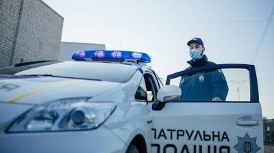 У Чернівцях поліція взялася штрафувати громадян, які не носять із собою паспорт