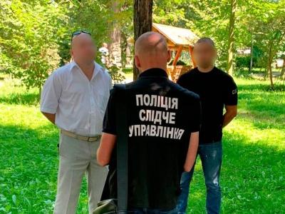 На Буковині затримали адвоката, який пропонував за хабар домовитися з суддею
