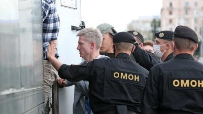 Протести у Білорусі. До центрів міст стягується ОМОН