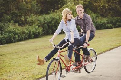 Анекдот дня: велосипед-тандем