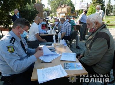 В Глибоцькому районі поліцейські провели виїзний прийом жителів