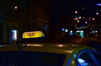Анекдот дня: випадок у таксі