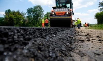 Банки грошей не дадуть: фахівець пояснила, чи варто брати кредит на ремонт доріг у Чернівцях