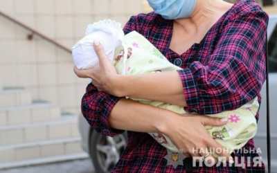 Жінка хотіла продати дитину за 400 тисяч гривень
