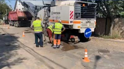 Частину вулиці Кармелюка у Чернівцях обіцяють відремонтувати за місяць