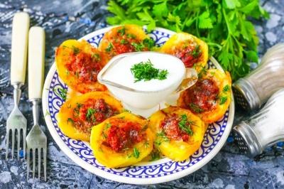 Ароматна фарширована картопля: як приготувати ситну страву
