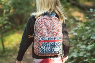 «Допоможіть зібрати рюкзачок»: волонтерка з Буковини просить допомогти малозабезпеченим сім'ям