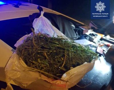 За тиждень на Буковині поліцейські 9 разів виявляли наркотичні речовини у громадян