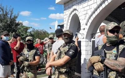 Під Харковом евакуювали ромів, проти яких ополчилося село