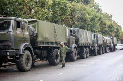 Протести у Білорусі. У центр Мінська стягнули військових та водомети
