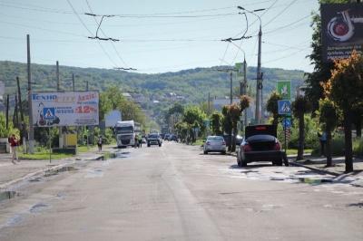У Чернівцях оголосили міжнародний тендер з капремонту вулиці Хотинської