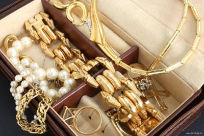 Золото і срібло подорожчали: буковинцям краще продавати чи купувати ці метали