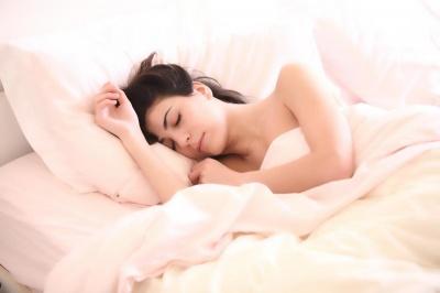 Як поліпшити якість сну за допомогою їжі: визначені найкращі продукти