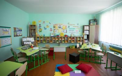 Уряд може дозволити відкрити школи і дитсадки в Чернівцях