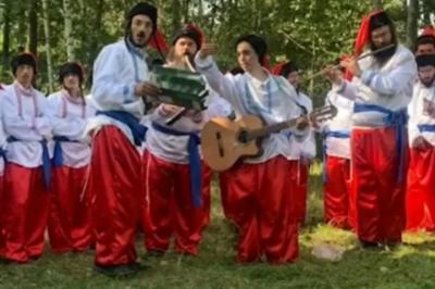 Хасиди, щоб потрапити в Умань, одягнули вишиванки і заспівали гімн України
