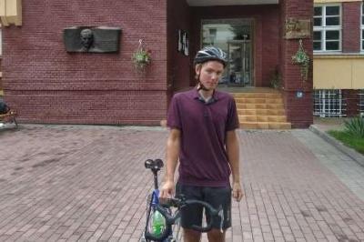 Абітурієнт подолав 500 км велосипедом, щоб подати документи в університет
