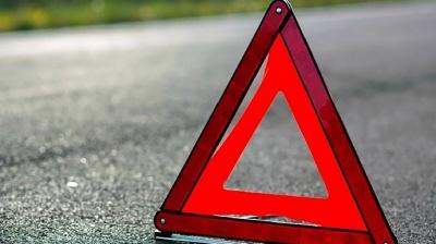 Смертельна ДТП на Буковині: внаслідок зіткнення легковика з «бусом» загинула одна людина, 12 травмовано