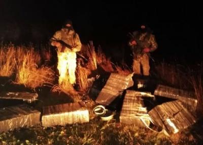 Стрілянина на кордоні: на Буковині контрабандисти покинули цигарок на 200 тисяч гривень