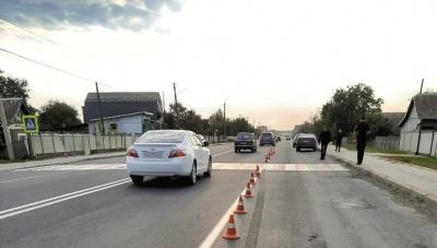 На Буковині водій Renault збив жінку та втік з місця події