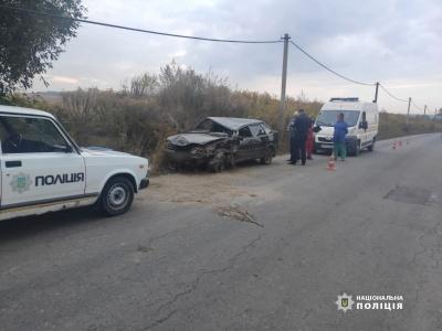 У Чернівцях перекинувся ВАЗ: водій був напідпитку