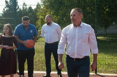 Новий баскетбольний майданчик з'явився в 25 школі: це результат спільних зусиль громади та влади*