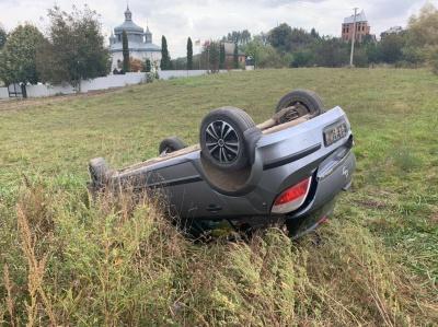 Авто перекинулося: унаслідок ДТП на Буковині постраждала людина