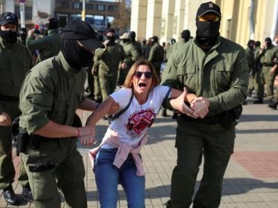"""У Мінську понад півсотні затриманих на """"Жіночому марші"""", серед їх числа - журналісти"""