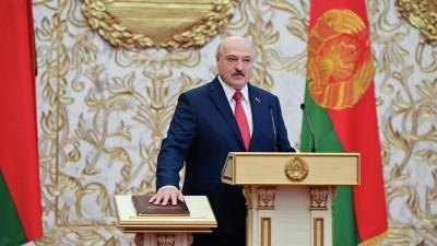 «Макрон мав піти у відставку ще два роки тому». Лукашенко відреагував на заяву президента Франції
