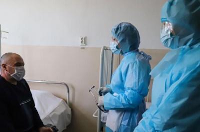 Лікарка назвала нові симптоми коронавірусу в українців