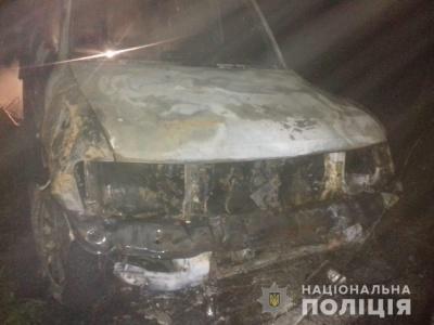 На Буковині автівка врізалась в огорожу і спалахнула: водій загинув у салоні
